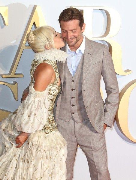 Купер и Гага снова что-то затевают вдвоем