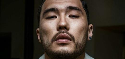 """Рэпер Скриптонит выпустил две песни: """"Замёрз"""" с Andy Panda и сольную """"Погрейся"""""""