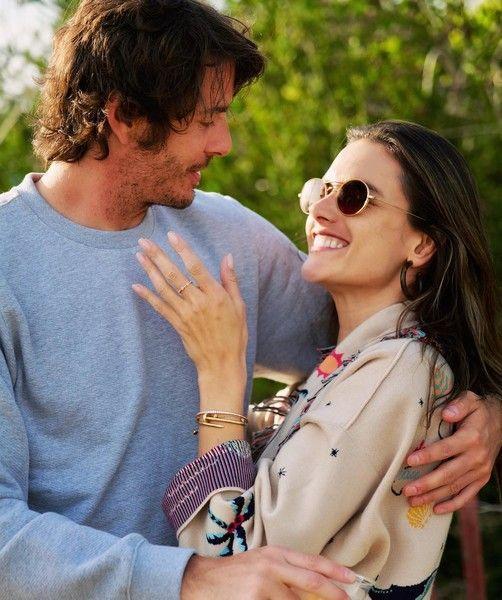 Алессандра Амбросио утопает в любви с горячим бойфрендом