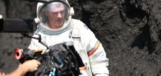 10 часов в скафандре и минус 2 килограмма: как Арсен Мирзоян снимал новый клип (ФОТО)