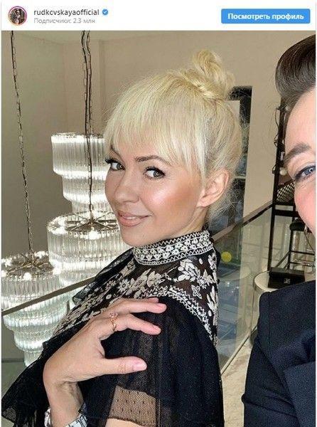 Яна Рудковская и еще 15 звезд, которые отстригли челку