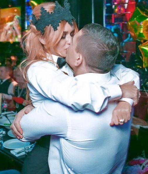 После слухов о разводе Бородина трогательно поздравила мужа