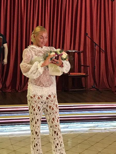 Волочкова впервые появилась на публике в голом наряде