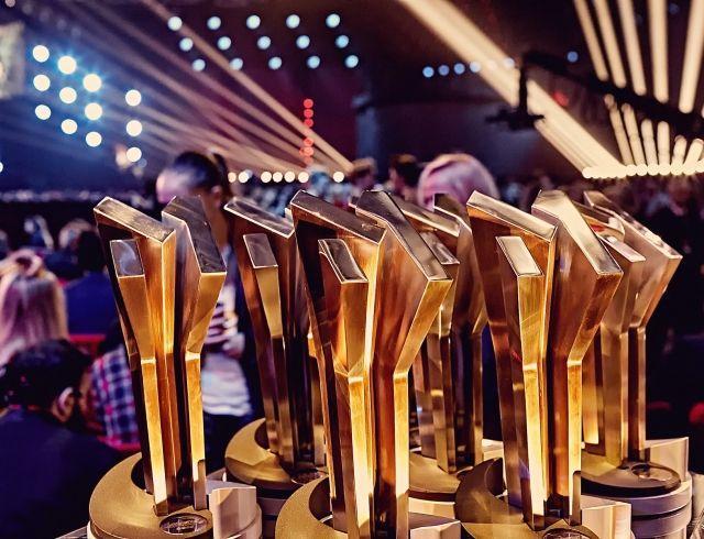 """""""М1 Music Awards. Пять"""": кто выступит на главном музыкальному событии года?"""