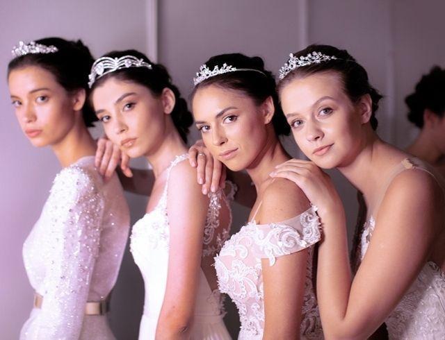 Свадебные платья, перья, бахрома: в Киеве состоялся Expo Wedding Fashion Ukraine 2019