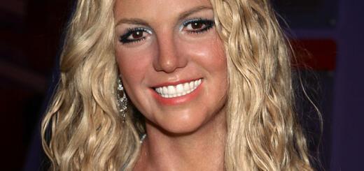 Бритни Спирс поправилась и совсем себя запустила