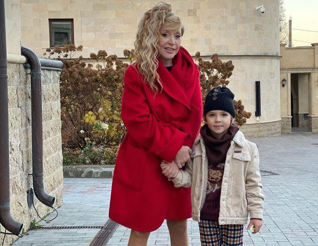 Лиза Галкина мечтает стать телеведущей: новое видео дочери Примадонны и юмориста