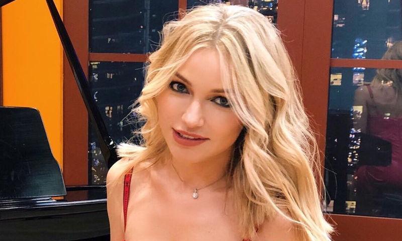 43-летняя Инна Маликова назло хейтерам надела микротоп и легинсы