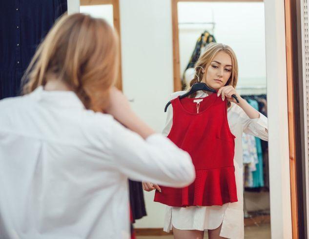 7 вещей, которые всегда нужно делать во время примерки новой одежды