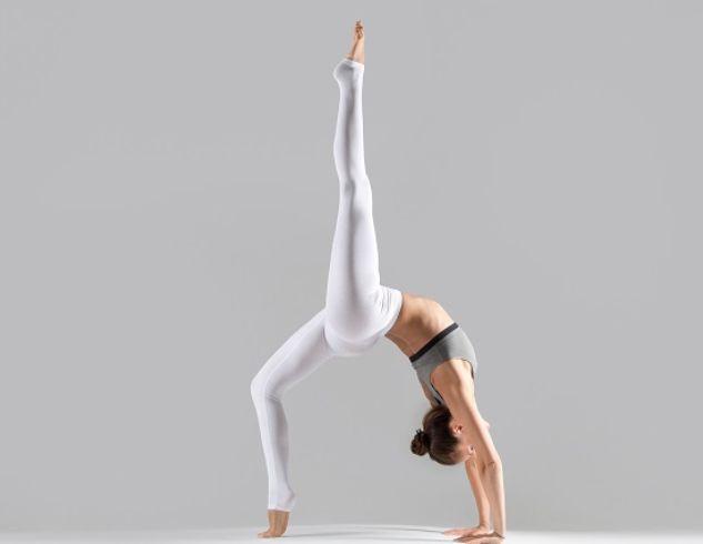 Йога для начинающих: 5 асан для бодрого начала дня