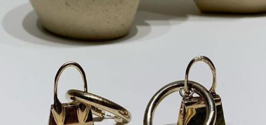 Фанатизм или изюминка бренда? Jacquemus выпустили украшения в виде своей знаковой микросумки