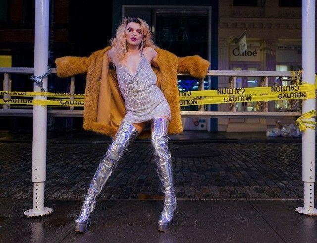 """Исполнитель хита """"Между мной и тобой"""", певец Оскар, сделал каминг-аут как трансгендерная женщина"""