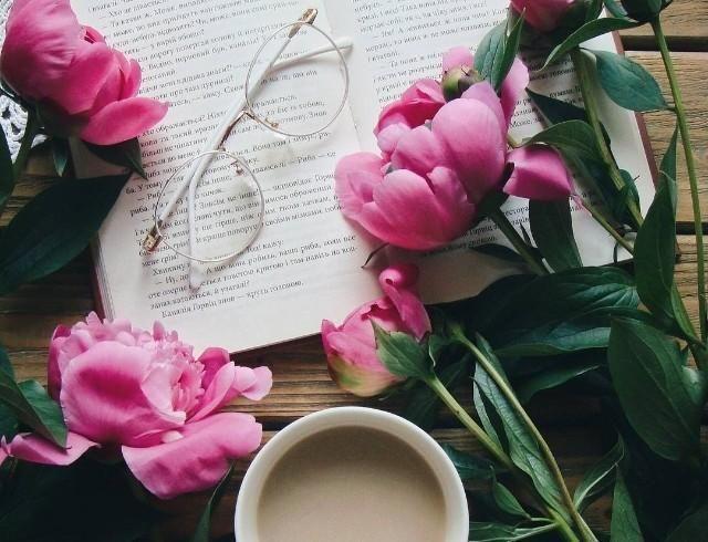 Что подарить на 8 Марта: книжные идеи