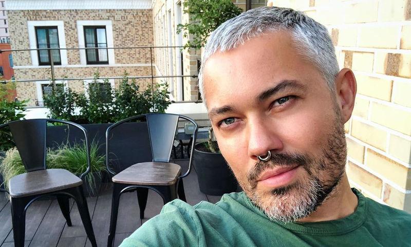 Александр Рогов радикально избавился от своего «фирменного» блонда
