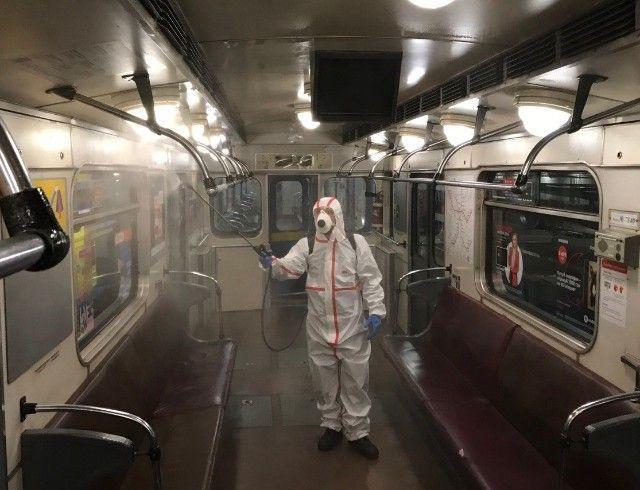 Киевское метро на карантине: что же там сейчас происходит? (ФОТО)