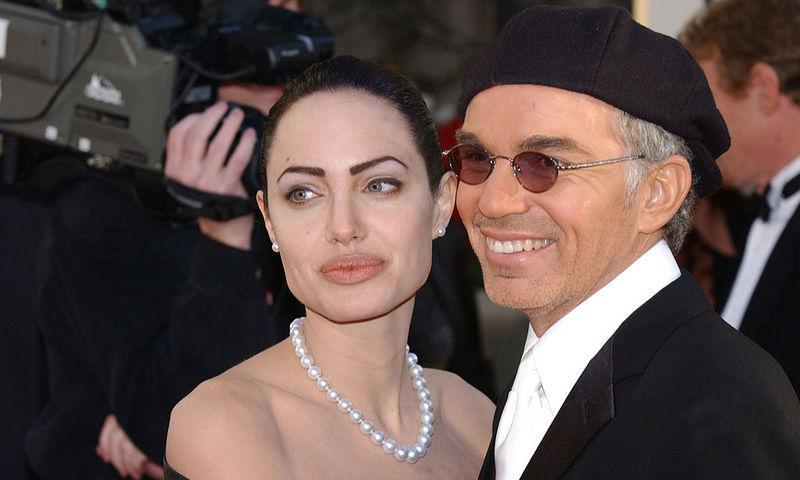 Анджелина Джоли ищет утешения у бывшего мужа после развода