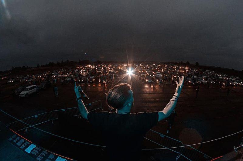 """Вперше в Україні: гурт БЕZ ОБМЕЖЕНЬ провели """"Безпечний Автомобільний Концерт"""""""