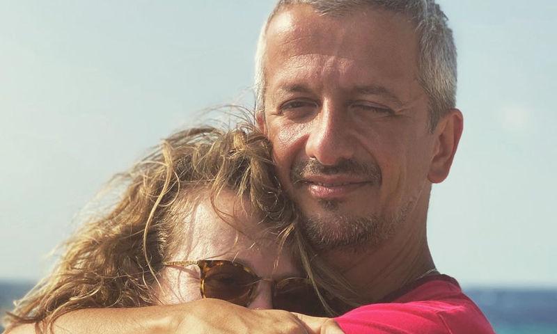 «Только на нее хочу смотреть»: Богомолов заснял Собчак под душем