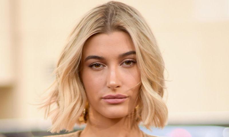 Хейли Бибер сделала трендовый макияж, который стоит повторить до конца лета