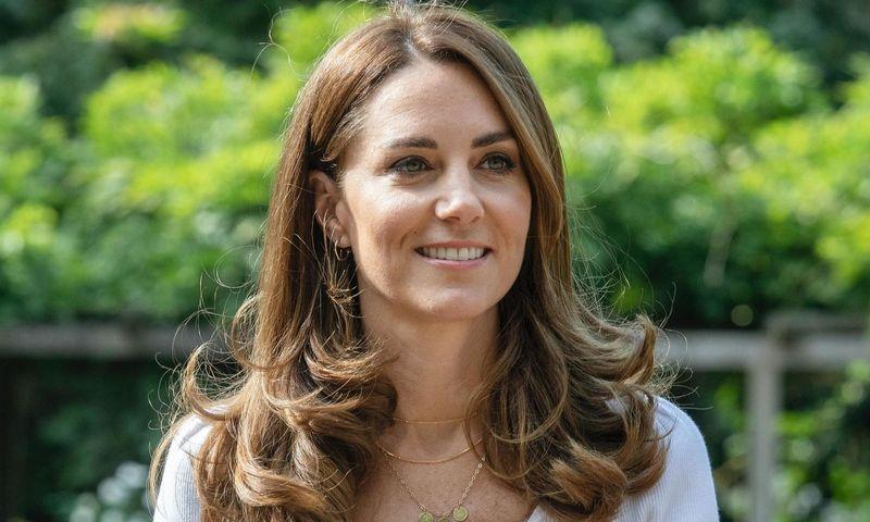 Просто и стильно: Кейт Миддлтон нарушила королевский дресс-код