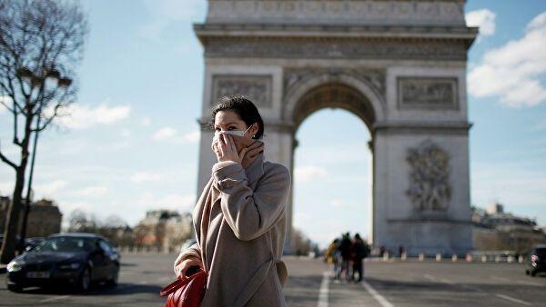 Во Франции вводят комендантский час из-за пандемии коронавируса